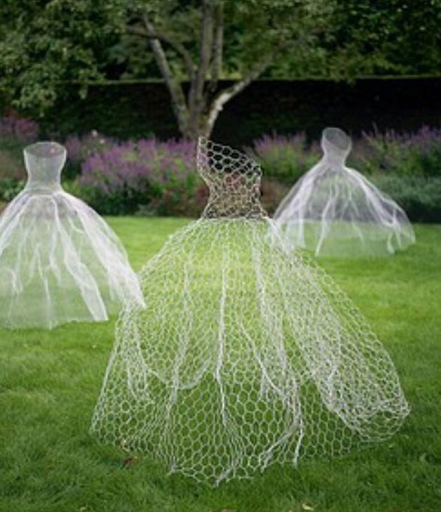 Halloween Wedding Ideas Lawn Ghosts Decoration