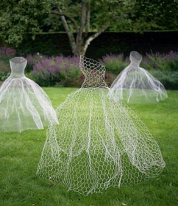 Halloween Wedding Ideas Lawn Ghosts Decoration