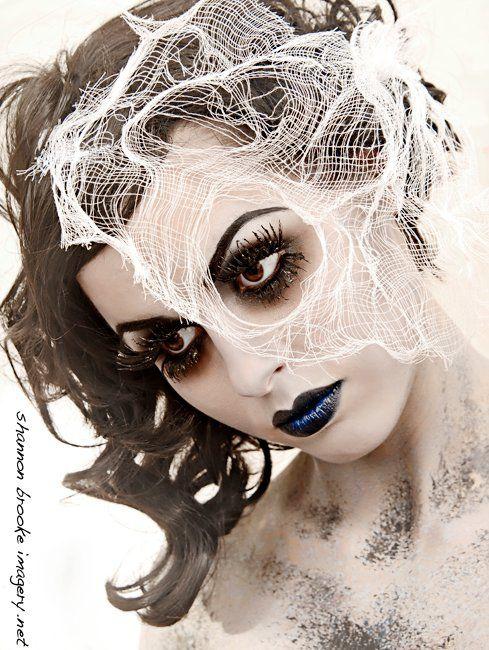 Halloween Wedding Ideas Spider Web Bride Veil