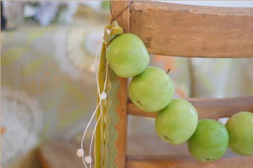Creative chair decoration idea for Fall Apple-Themed Weddings.
