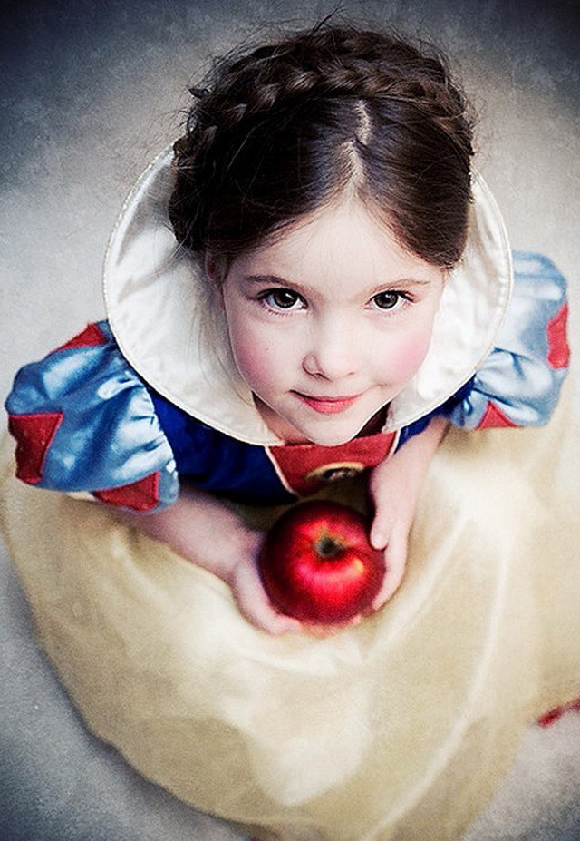 Apple Flower Girl Snow White Fall Apple-Themed Wedding Ideas