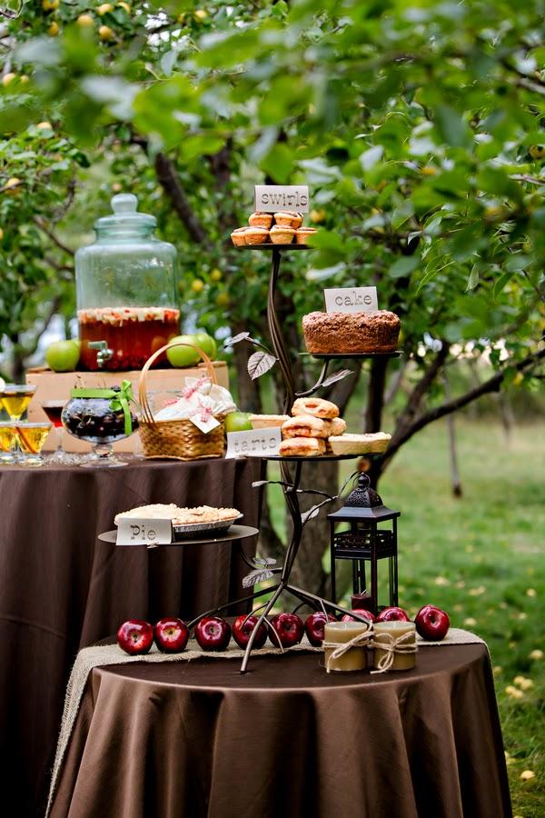 Apple Treat Table Fall Apple-Themed Wedding Ideas