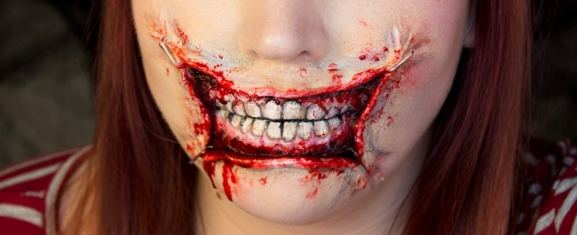 Bloody Smile Halloween Wedding Make-Up Ideas