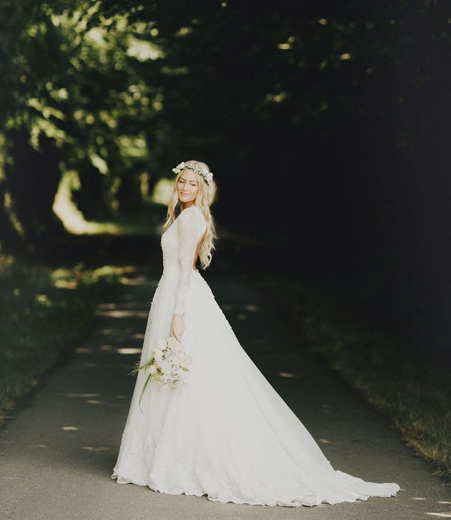 Long Sleeve Fall Wedding Dress Idea