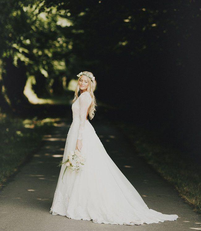 Long Sleeve Fall Wedding Dress Idea