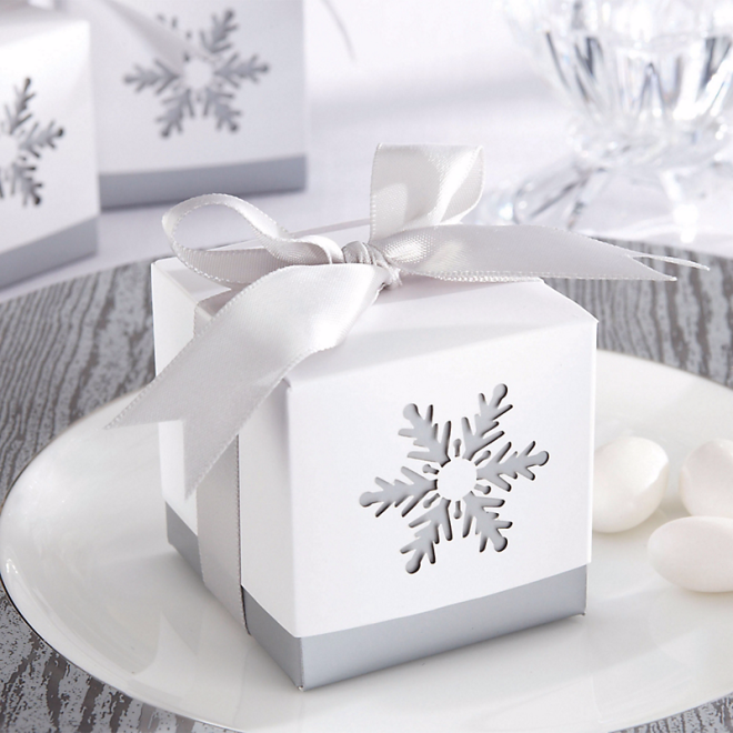 Snowflake 2 inch favor boxes
