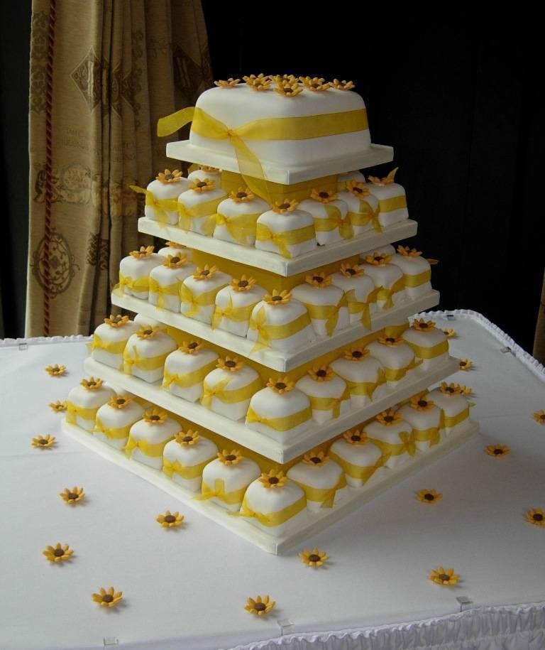 sunflower individual cupcakes wedding ideas