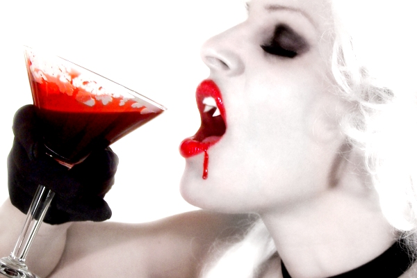 Vampire Drinking Blood Halloween Wedding Cocktail